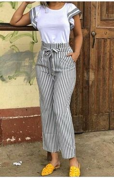 10 Practical Women's Clothes That Is Always Trending Un atuendo que se ve genial Fashion Pants, Look Fashion, Womens Fashion, Classy Outfits, Chic Outfits, Preppy Outfits, Girl Outfits, Modest Fashion, Fashion Dresses