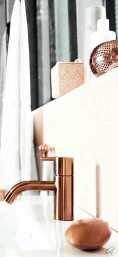 Rose Gold/Copper Bathroom | The House of Beccaria~