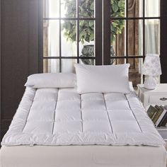 White Goose Down quilted Mattress Topper with Straps / Five Star Hotel / 120*200cm/150*200cm - Free Shipping