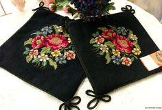 2X Vintage Needlepoint Pillow PetitPoint----Navy Flowers.