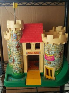 Vintage Fisher Price Little People Castle Pretend Play Interactive Toys #FisherPrice #vintage #childhood #pretendplay