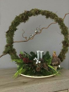 Christmas Flower Arrangements, Christmas Flowers, Christmas Time, Christmas Wreaths, Christmas Ornaments, Christmas Candle Decorations, New Years Decorations, Deco Table Noel, Christmas Bedroom