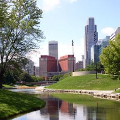 Gene Leahy Mall is the perfect place for a picnic in #Omaha