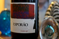 Um vinho que é uma experiência. Assim começo a falar desse senhor que tive o prazer de degustar, um Esporão Reserva 2002. Quer saber mais? Leia nosso post! E se conhece o vinho, deixe sua nota também! ?  #vinho #vivaovinho #wine #winelover #confraria #uva #instawine #vino #vin #winetasting #winetime #vinhos #dicasdevinhos #winetips #instavinho #vinhoportugues #Portugal 🍷🍷🍷