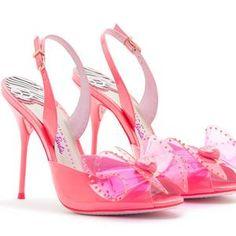 Sophia Webster crée des chaussures de Barbie à taille humaine