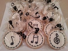 Music note sugar cookies by MerciBeauCookies.blogspot.com