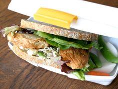 Sandwich med fiskekake Norway, Sandwiches, Food, Meals, Paninis, Yemek, Eten