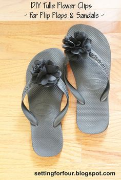 DIY Flower Clips for Flip Flops & Sandals. See this easy DIY fashion tutorial to make these beautiful flower clips! Perfect for beach weddings! Tulle Flowers, Diy Flowers, Flip Flop Sandals, Flip Flops, Flip Flop Craft, Diy Gifts To Make, Shoe Clips, Beautiful Gifts, Beautiful Bride