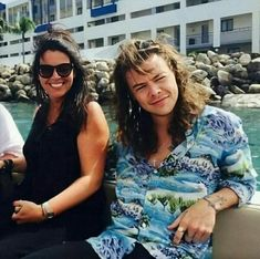 Harry Styles Family, Harry Styles Face, Harry Edward Styles, Gemma Styles, Art Styles, Holmes Chapel, Louis And Harry, Treat People With Kindness, Beautiful Family