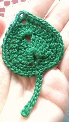 Watch This Video Beauteous Finished Make Crochet Look Like Knitting (the Waistcoat Stitch) Ideas. Amazing Make Crochet Look Like Knitting (the Waistcoat Stitch) Ideas. Crochet Leaf Patterns, Crochet Leaves, Crochet Motifs, Freeform Crochet, Crochet Designs, Crochet Stitches, Chunky Crochet, Crochet Diy, Love Crochet