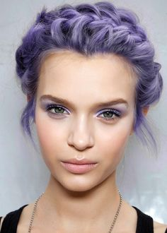 In love with this #purple hair / purple eyes combination. #hair #eyes #beauty