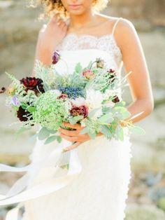 Beautiful greenery: http://www.stylemepretty.com/little-black-book-blog/2015/01/23/coastal-united-kingdom-wedding-inspiration/ | Photography: Belle & Beau - http://belleandbeaublog.com/