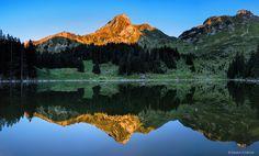 Es ist schön, dass wir unsere Ausflüge in die Schweiz nun unter der Woche machen können und so die Massen vom Wochenende vermeiden. So verbrachten wir dann auch einen perfekten Nachmittag an einem kleinen See im Gantrisch im Berner Oberland. Wir hatten den See ganz für uns allein und genossen die Ruhe dieses schönen Plätzchens…