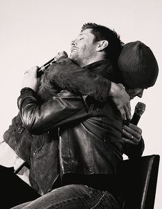 Jared and Jensen hugging - so cute.