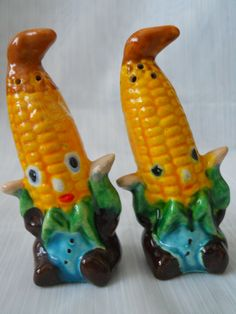 Anthromorphic Corn on the Cob Salt and Pepper Shakers - vintage, collectible, anthromorphic by DEWshophere on Etsy