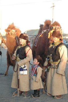 """The contestants of """"Best dressed couple competition"""" of Camel Festival Mongolia"""