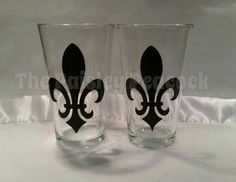 $19.99  Check out this item in my Etsy shop https://www.etsy.com/listing/255064708/fleur-de-lis-pint-beer-glass-set-of-2