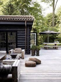 Home rustic exterior outdoor spaces Ideas Outdoor Rooms, Outdoor Gardens, Outdoor Living, Outdoor Retreat, Outdoor Kitchens, Exterior Design, Interior And Exterior, Black Exterior, Exterior Paint