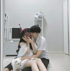 Find images and videos about love, couple and korean on We Heart It - the app to get lost in what you love. Cute Couples Goals, Couples In Love, Romantic Couples, Couple Goals, Ulzzang Korean Girl, Ulzzang Couple, Cute Korean Girl, Korean Couple, Best Couple