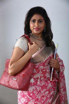 Manisha Yadav Movie Photos, Stills Beautiful Girl Indian, Most Beautiful Indian Actress, Beautiful Saree, Beautiful Women, Beautiful Actresses, Indian Natural Beauty, Indian Beauty Saree, Indian Sarees, Beauty Full Girl