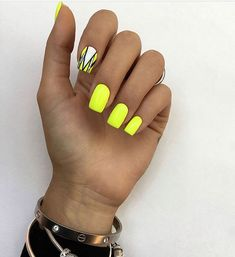 Neon Nails, Yellow Nails, Bling Nails, Swag Nails, Pretty Toe Nails, Gorgeous Nails, Cute Nails, Nail Manicure, Manicures