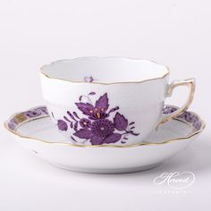 Herend porcelain Tea Cup with Saucer – Herend Apponyi Lilac pattern. You will receive the followings: 1 pc – Tea Cup – vol 3.0 dl (10 OZ) 701-2-00 AL – Lilac 1 pc – Saucer – diam 15.5 cm (6″D) 701-1-00 AL – Lilac Total: 2 pieces Herend porcelain items Apponyi pattern also known as Chinese Bouquet. The Apponyi Lilac decor …