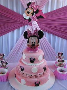 Minnie Mouse cake & decor (can also do Mickey Mouse)