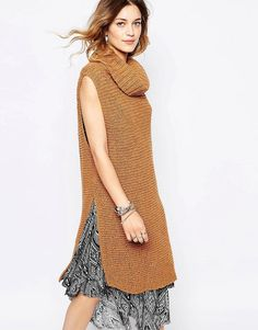 Free People Chunky Roll Neck with Side Splits - Honey μόνο 54.00€ #deals #style #fashion
