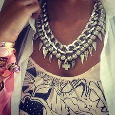 """#OMG Volvió a entrar el tan esperado Collar SOUL ~~ es un fuego⚡️⚡️⚡️⚡️ Shop NOW ~~ www.laquedivas.com.ar…"""
