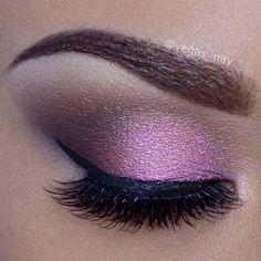 Soft pink Smokey eye @ vegas_nay Eyeshadow For Brown Eyes, Smokey Eye For Brown Eyes, Pink Eyeshadow, Beautiful Eye Makeup, Beautiful Eyes, Beauty Makeup, Hair Makeup, Beauty Tips, Purple Smokey Eye