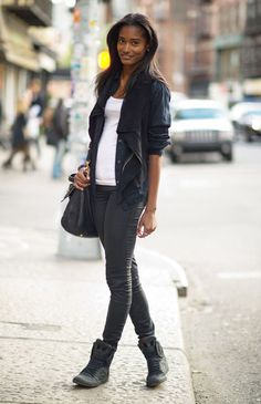 Especially the shoes! Elle: Street Chic - New York: Melodie Monrose wears a BCBG MAXAZRIA jacket, All Saints jeans, a Miu Miu bag, and Supra shoes. Tomboy Fashion, Love Fashion, Runway Fashion, Fashion Outfits, Street Fashion, Winter Fashion, Supra High Tops, Melodie Monrose, Sydney
