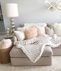 Make a girly glam meets rustic chic living room layout a la Styled By Kasey& chunky knit. Make a girly glam meets rustic chic living room layout a la Styled By Kasey's chunky knits and rosy throws Small Living Room Layout, Chic Living Room, Home Living Room, Apartment Living, Living Room Furniture, Living Room Designs, Living Room Decor, Bedroom Decor, Wooden Furniture