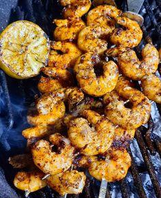 SHRIMPS Tandoori Chicken, Shrimp, How To Look Better, Meat, Ethnic Recipes, Food, Essen, Meals, Yemek