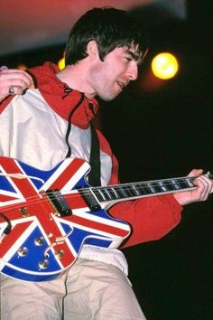 Picture Credit, Photo Credit, Liam Gallagher Noel Gallagher, Jack Hunter, Look Back In Anger, Celebrity Shoes, Popular Bands, Height And Weight, Playing Guitar
