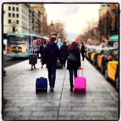 Viajer@s por Paseo de Gracia Barcelona, Street View, Bright, World, Pretty, Travel, Walks, Viajes, Barcelona Spain