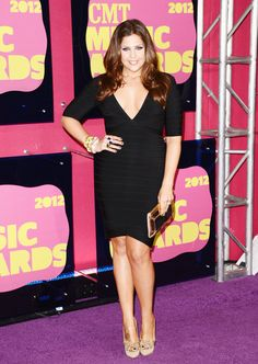 Lady A's Hillary Scott looked gorgeous arriving on the 'purple' carpet at the 2012 CMT Music Awards