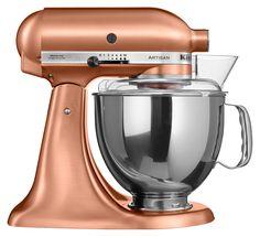 Een koperkleurige keukenmachine zagen we nog niet eerder. KitchenAid Artisan 5KSM150 is een beauty in de keuken, berg m zeker niet op ergens in een kast.