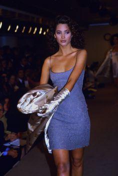 90s Fashion, Runway Fashion, Daily Fashion, Street Fashion, 90s Models, Niki Taylor, Beach Wear Dresses, Paulina Porizkova, Christy Turlington