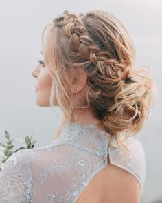 Mais de 40 penteados para madrinhas de casamento de cabelo longo Bride Hairstyles, Cute Hairstyles, Medium Hair Styles, Long Hair Styles, Wedding Hair Inspiration, Aesthetic Hair, How To Make Hair, Bridesmaid Hair, Hair Hacks