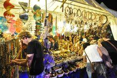 Zeltfestival Ruhr: Markt der Möglichkeiten. Mehr darüber auf http://www.coolibri.de/redaktion/konsum/markt-der-moeglichkeiten.html