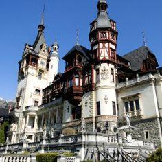 Palacio de Peles Peles, Notre Dame, Mansions, House Styles, Building, Travel, Romania, Castles, Viajes