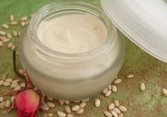 Recette : Crème anti-âge fermeté pour Peaux Sèches à la Centella en deux parties - Aroma-Zone