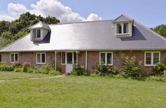 Bourne Cottage, Fishbourne, near Ryde is a large attractive property which welcomes families with babies and toddlers.