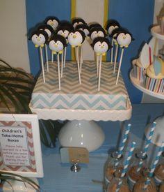 Penguin cake pops #cakepops #penguin