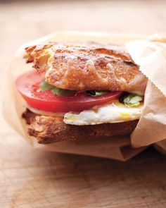 Egg-and-Tomato Breakfast Sandwich