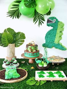 Easy DIY Dinosaur Party Ideas and Recipes - easy, quick and inexpensive birthday party ideas to re-create at home for your celebrations! #dinosaur #birthdayparty #partyideas #dinosaurfood #dinosaurparty #dinosaurbirthday