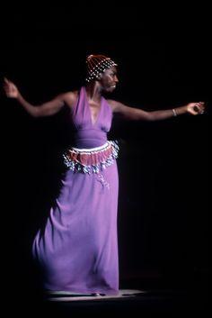 Nina Simone, Town Hall, New York photo by Jim Marshall Nina Simone, Blues Rock, What Happened Miss Simone, Carolina Do Norte, Jim Marshall, Portraits, Jazz Blues, Blues Music, Badass Women