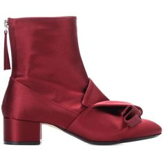 N°21 Satin Ankle Boots ($725) ❤ liked on Polyvore featuring shoes, boots, ankle booties, red short boots, red booties, red ankle boots, satin boots and red ankle booties