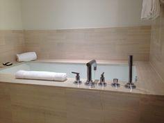 Bath at Langham Place Fifth Avenue.