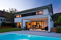 Einfamilienhaus# Satteins# Massivbau# Pool# modernes Einfamlienhaus# design Haus# mit pool# Wohndesign Modern Pools, Bungalow House Design, Blinds For Windows, Types Of Houses, Home Fashion, Construction, Future House, Swimming Pools, Living Spaces